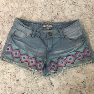 Hot Kiss light blue, geometric pattern jean shorts